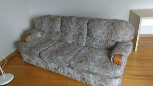 COUCH, non-smoking, good condition, MUST GO!