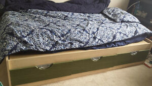 West Coast Kids Twin Bed with 3 drawers w mattress 200$ FIRM