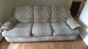Free couch need gone today