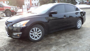 15 ALTIMA - AUTO - FULLY LOADED - STARTER - LEATHER - ONLY 62KMS