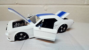 Ford Mustang diecast car