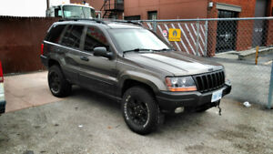 PARTING OUT - 2000 Jeep Grand Cherokee Loredo