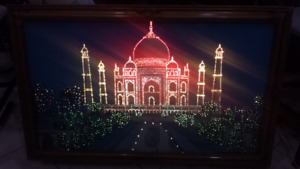 Picture frame color changing