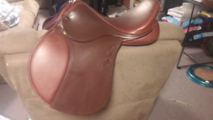 BRAND NEW Santa Cruz Saddle
