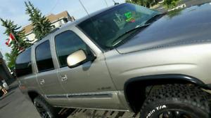 2004 Yukon XL 2500 SLT