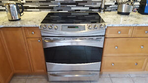 """GE Profile Electric Convection Cooking Range 30"""" Used"""