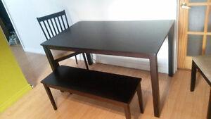 Table, chaises et tabouret à vendre Saguenay Saguenay-Lac-Saint-Jean image 3