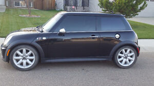 2004 Mini Cooper S Coupe (2 door)