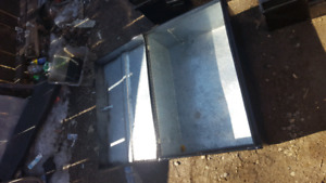 Metal tool chest or truck box