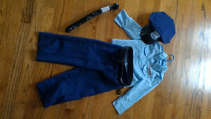 Policeman Costume, size 3 (approx)