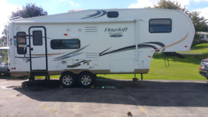 2012 flagstaff 5th wheel 24 feet. One slide out. VERY CLEAN