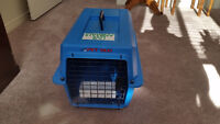 Pet Cage/Taxi with Feeders