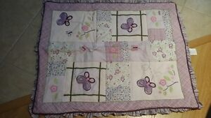 Crib Bedding Excellent condition