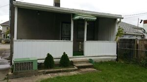 Spacious 2 Bedroom Bungalow HOUSE for RENT!!! Windsor Region Ontario image 9