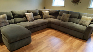La-Z-Boy Sectional couch 7 seats