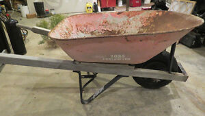 Contractor's wheelbarrow