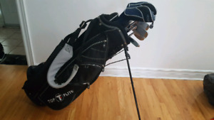 Men's Right handed Tommy Armour golf club set.