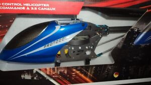 """BRAND NEW, $60 (or best offer) """"Heli-Raider"""" RC Helicopter!!! London Ontario image 3"""