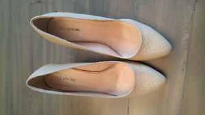 Spring dress shoes/heels colour Nude size 10