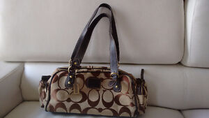 Coach purse in excellent used condition Kitchener / Waterloo Kitchener Area image 1