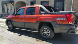 2003 AVALANCHE FOR SALE