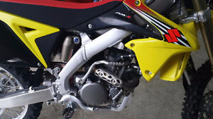 Brand New Mint Mint 2012 Suzuki RMZ 250F Kitchener / Waterloo Kitchener Area image 4