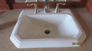évier de cuisine & lavabo chambre de bain et leurs robinetteries