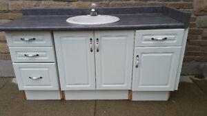 "60"" single sink vanity. Cambridge Kitchener Area image 1"