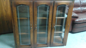China cabinet/Buffet table and 6 chairs