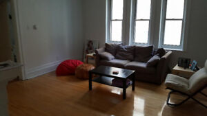 URGENT - Looking for roommate in Downtown apartment (May)