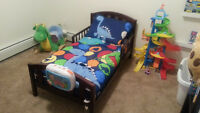 Toddler bed - Like NEW!