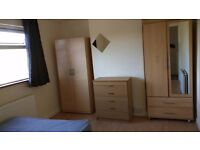 AMAZING LARGE DOUBLE ROOM IN WOOD GREEN - BILLS INC