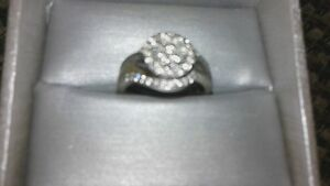 Beautiful diamond ring Peterborough Peterborough Area image 4