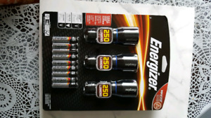 Set of flash lights and batteries