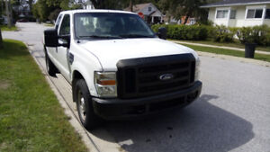 2008 Ford F350 Super Duty with crew cab