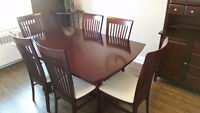 Beautiful Dining Room Table, Leaf, 6 chairs, Buffet, and Hutch