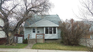 Just Listed $148,000 881 6TH AVENUE NW Moose Jaw house for sale