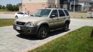 2007 FORD ESCAPE XLT LEATHER SEATS,BEAUTIFUL RIMS,AIR CONDITIONI