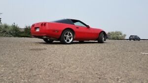 Red - 1992 Corvette LT1 with New Motor (less than 400 KLMS)
