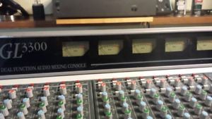 Allen & Heath GL 3300 - 32 / 8 bus mixing Console