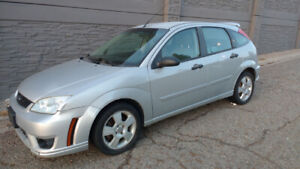 Ford Focus SES 5 Speed Manual