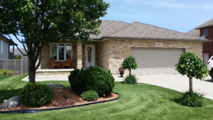 ***PRICE REDUCTION*** 4 LEVEL FAMILY HOME IN WILLOWWOOD