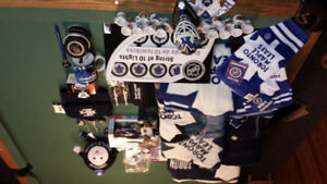 Group of Toronto mapleleafs collectible
