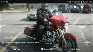 2009 street glide for sale. Closed in trailer available for bike