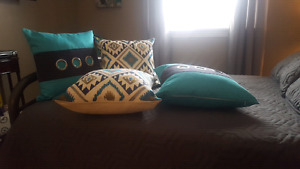 Set of 4 Pillows
