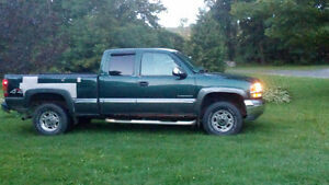 2001 GMC Sierra 2500 Grey Pickup Truck