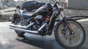 Kawasaki Vulcan 900!!! 'It's Custom!! It's Big and its Sexy!!