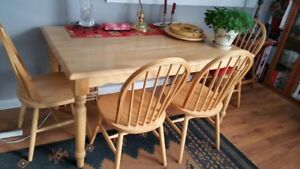Solid Yellow Pine Table & 4 chairs