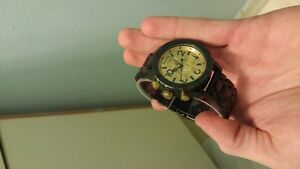 38-20 Black and Gold Nixon Chronos Watch Peterborough Peterborough Area image 3
