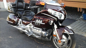 Immaculate Goldwing, ready for the fall